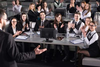 4 Public Speaking Tips for Corporate Players