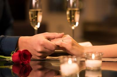 Why You Should Hire Limo Service this Valentine's Day